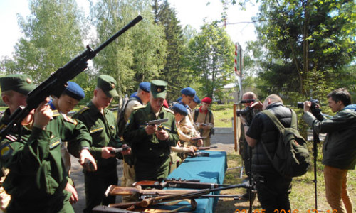Знакомство Юнармейцев с образцами спортивного стрелкового оружия